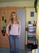 Non_nude_stunning_blonde_teen