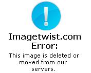 Pampita gomosa en bikini fucsia