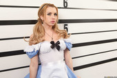 Bonnie-Rotten-%26-Lexi-Belle-Wonderland-f7ccupqswb.jpg